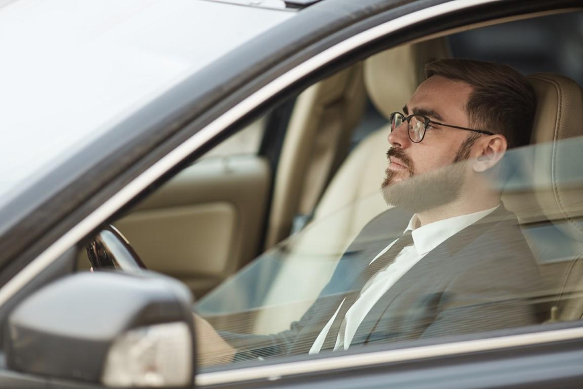 Comment bien se positionner pour conduire en voiture ?