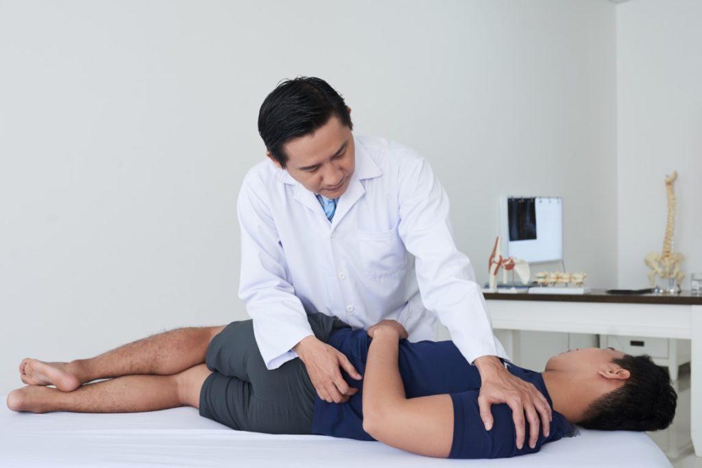 Quels sont les thérapeutes à consulter en cas de douleurs de dos